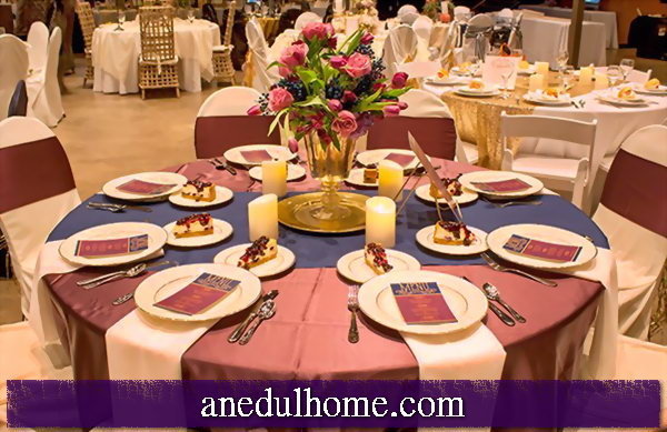 Table decoration: decorating the table to match the fall