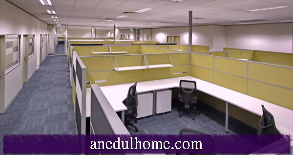 Ergonomic design of the workplace - desk as a central element